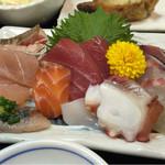 魚良 - 料理写真:刺身