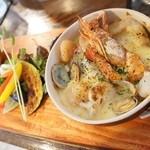 46643524 - 4種のシーフード・グラタン                        季節の野菜とブルスケッタを添えて 1580円 スープとサラダ付き