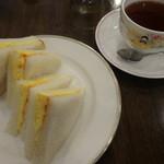 トランジィット - 焼き卵のサンドウィッチ(2015,11)