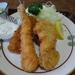 とんかつ太郎 - ランチの海鮮フライ(えび、ホタテ、あじ)