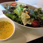 クレープリー 京都シャンデレール - 本日のスープとサラダの盛り合わせ