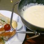 ビストロサンマルク - チーズフォンデュのセット♪