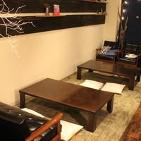 カフェ 仁音 - 人気のお座敷席。地べたに座るとそこはまさにお家。