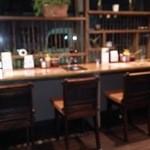 富山豚食堂 かつたま - 店内