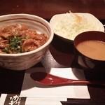 富山豚食堂 かつたま - 豚丼