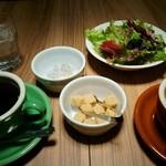 46665552 - ランチの最初、サラダ・スープと最初のコーヒー