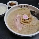 喜多郎 - 醬油らーめん(こってり)630円 ライス他サービス
