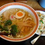 ラーメン王ちゃん - ラーメン王ちゃん(醤油ラーメン600円+ランチセットの半チャーハン+250円)