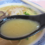 46676778 - やや黄色味帯びた白濁スープ