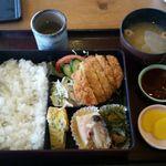 曽我 - 日替わり定食 700円 (本日のメインはトンカツ)