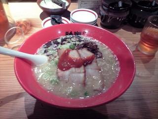 拉麺屋神楽 米子錦町店 - 拉麺屋神楽 錦町店・とんこつ濃¥680