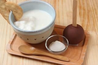 ボンヌ カフェ - ホットスティックチョコレート