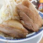 鳳神角ふじ - 豚