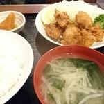 高伸 - 鶏からあげ定食(880円)