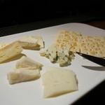 kamo - チーズ盛合せ