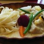 カフェ・アンジュ - 料理写真:鶏肉のクリーム煮