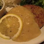 46697242 - レモン風味のホワイトソースハンバーグ