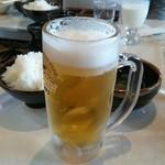 46698593 - 生ビール(中)680円