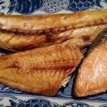 梓川 - 焼き盛り定食(ほっけ、さば、しゃけ) 2016.1