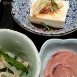 梓川 - 定食の小鉢も3種も付きますよ!!