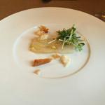 46704390 - 前菜 庄内浜 鯛のテリーヌと鯛の燻製