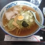 丸一食堂 - 料理写真:中華そば 550円 大盛