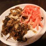 ふくやラーメン - 卓上の高菜と紅ショウガ