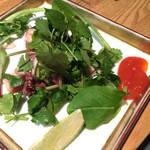 池の屋 - 蛸とパクチーのサラダ