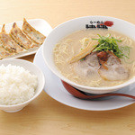 津津 - 料理写真:餃子セットイメージ