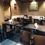 茅場町 長寿庵 - かやば町 長寿庵 @茅場町 落着いた大人の雰囲気のテーブル席