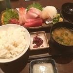 魚貝亭 - お刺身定食 @980