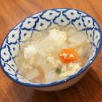 サイアムヘリテイジキッチン - 平日限定ランチのプチビュッフェ『豆腐と野菜のスープ』2016年1月