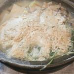 新宿牡蠣入レ時 - 牡蠣の豆乳鍋 2人前2560円