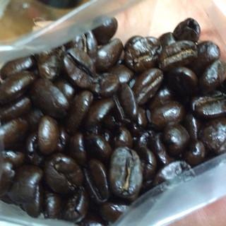 北山珈琲店 - 料理写真:豆をかじるとカリッと強烈に焙煎入っています!