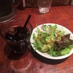 BISTRO DE まいど - サラダとアイスコーヒー