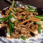 46717793 - 豚肉とニンニクの茎炒め(小盆)