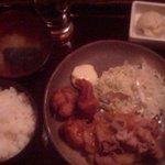 4672794 - 生姜焼きと唐揚げの定食