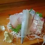 入船 - 料理写真:刺身の図