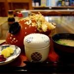 磯料理 マルト本店 - 桜えび入天丼(1620円)