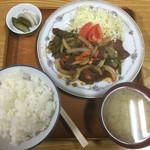 民生食堂 天平 - 牛焼肉定食 900円