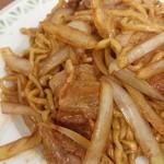 大十食堂 - Bセット 焼きそばあっぷ 中華より麺が太く豚バラと玉ネギがメインの具!