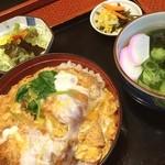 丸亀 - 料理写真:カツ丼とうどん美味し!!