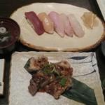 46726470 - おまかせ寿司5カン(680円)、パイカの照り焼き(460円)税別