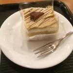 カフェ・ベローチェ - モンブランケーキ