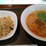 中国料理ふくふく - 料理写真:担々麺チャ-ハンセット