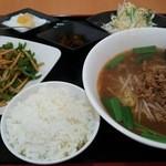楽口福 - 青椒肉絲定食 1,058円