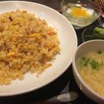上海湯包小館 - 炒飯,卵スープ,杏仁豆腐