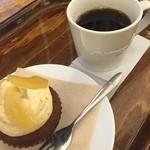 モスカフェ - 2016/01/03 カップケーキとコーヒー