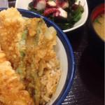 46734871 - 天丼 (500円) & たこの海藻サラダ (130円)