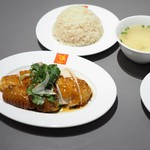 威南記海南鶏飯 - チキンライス(ロースト全体図)